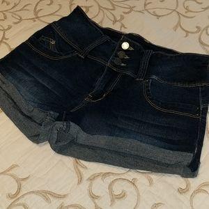 🐢 Nwot ymi Jean shorts